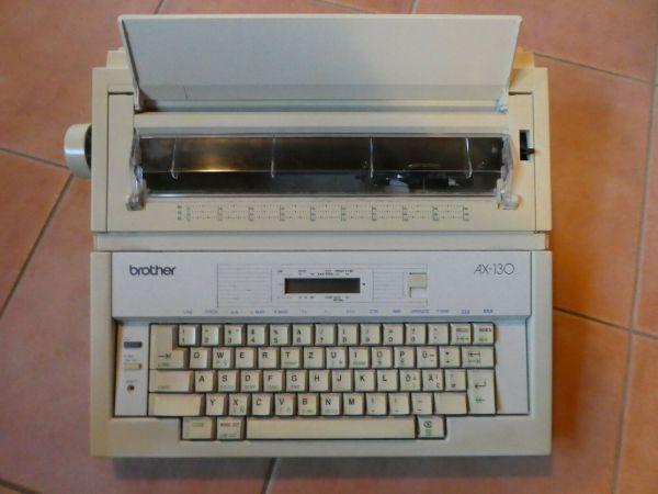 Elektronische Schreibmaschine Brother AX-130 , gebraucht.
